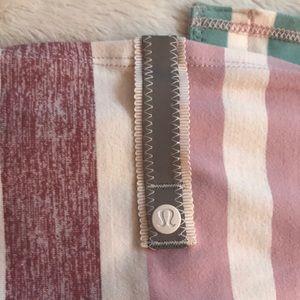 Lululemon Vinyasa Scarf -pastel stripes